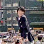 羽生結弦の凱旋パレードの画像、動画まとめ!あっかんべー画像が最高にかわいい!